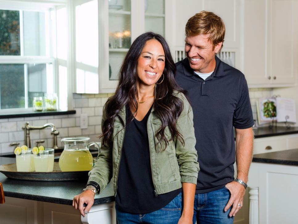 Joanna Gaines Pictures Our Favorites From Hgtv S Fixer Upper