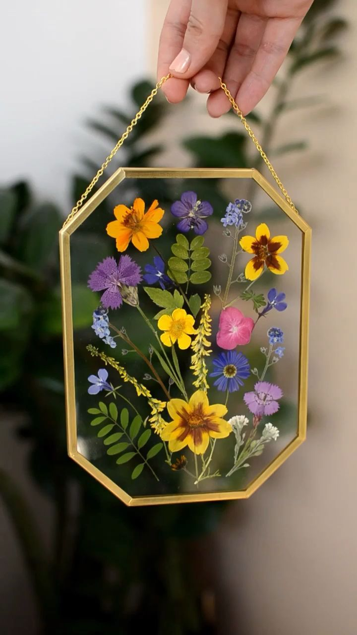 Octagon Pressed Flower Frame -  You are in the right place about Home diy organization  Here we offer you the most beautiful pictur - #bestbathroomdecor #decoratingideasforthehome #diyhomeonabudget #diyhomeplants #flower #frame #octagon #pressed