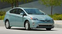 Toyota Prius plug-in sells 1,654 copies in April, beating Chevy Volt, Nissan Leaf