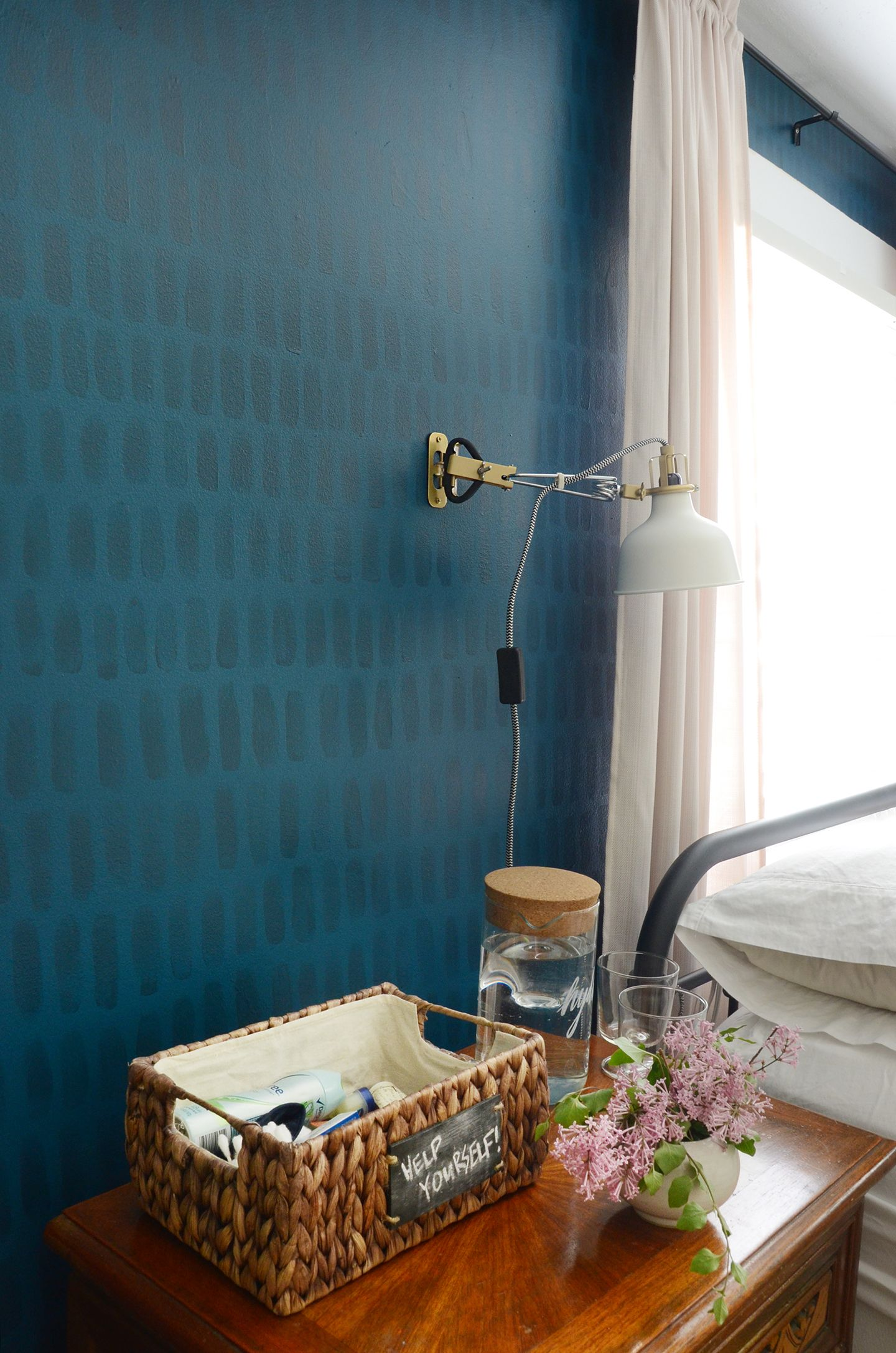 How to: Easy DIY Hand-Painted Brushstroke Accent Wall ...
