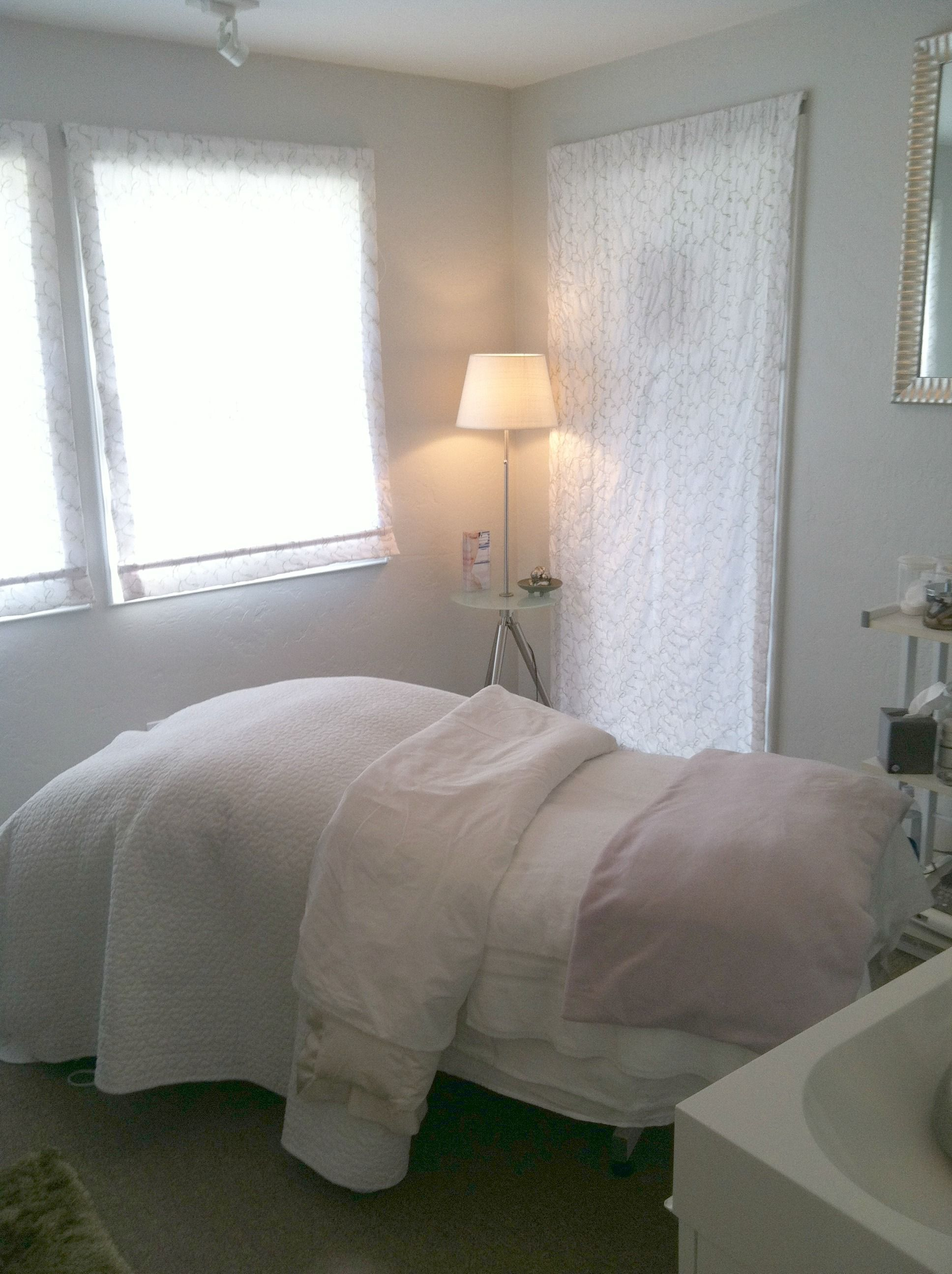 Day Spa  Massage Therapy Room  Esthetician Room  Aesthetician Room  Esthetics -5919