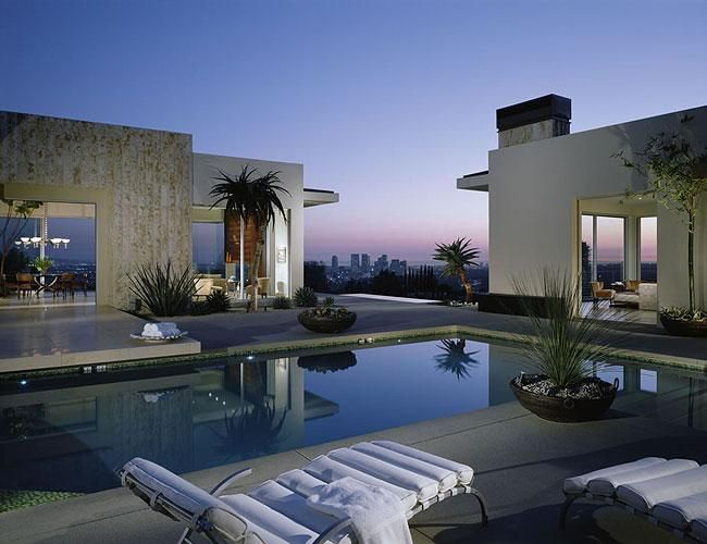 Architecture moderne villa au bord de la mer minimal for Architecture des villas modernes