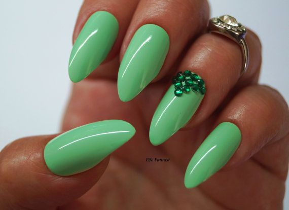 Green stiletto nails nail designs nail art nails stiletto green stiletto nails nail designs nail art nails stiletto nails false nails acrylic nails pointy nails fake nails press on nails prinsesfo Gallery
