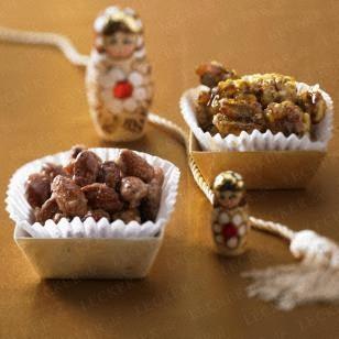 Gebrannte Mandeln und Walnüsse Rezept | LECKER