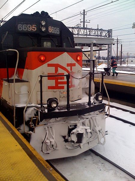 shore line east 6695 an emd gp40 2h in new york new haven and