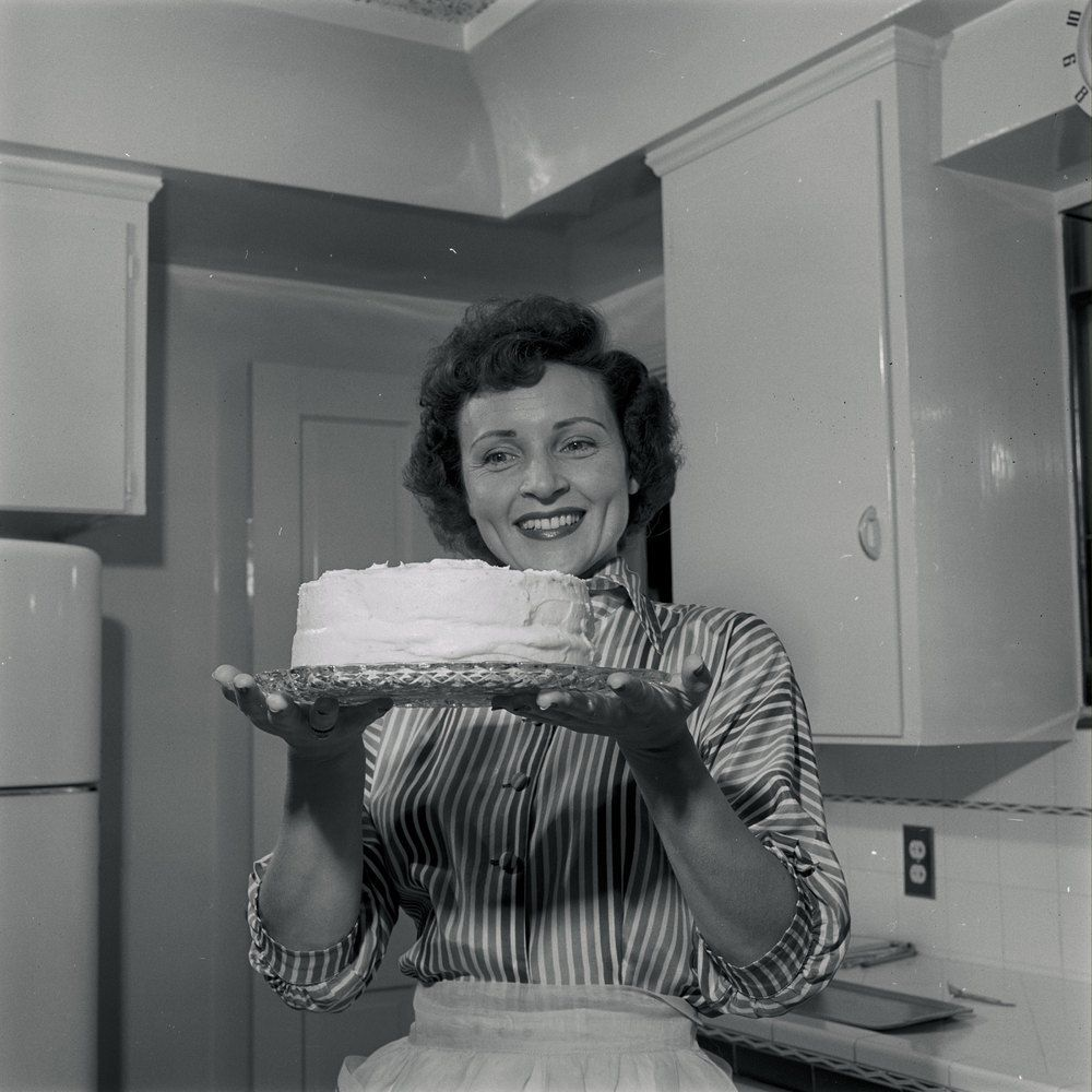 Betty White photographed at home (1954) Betty white