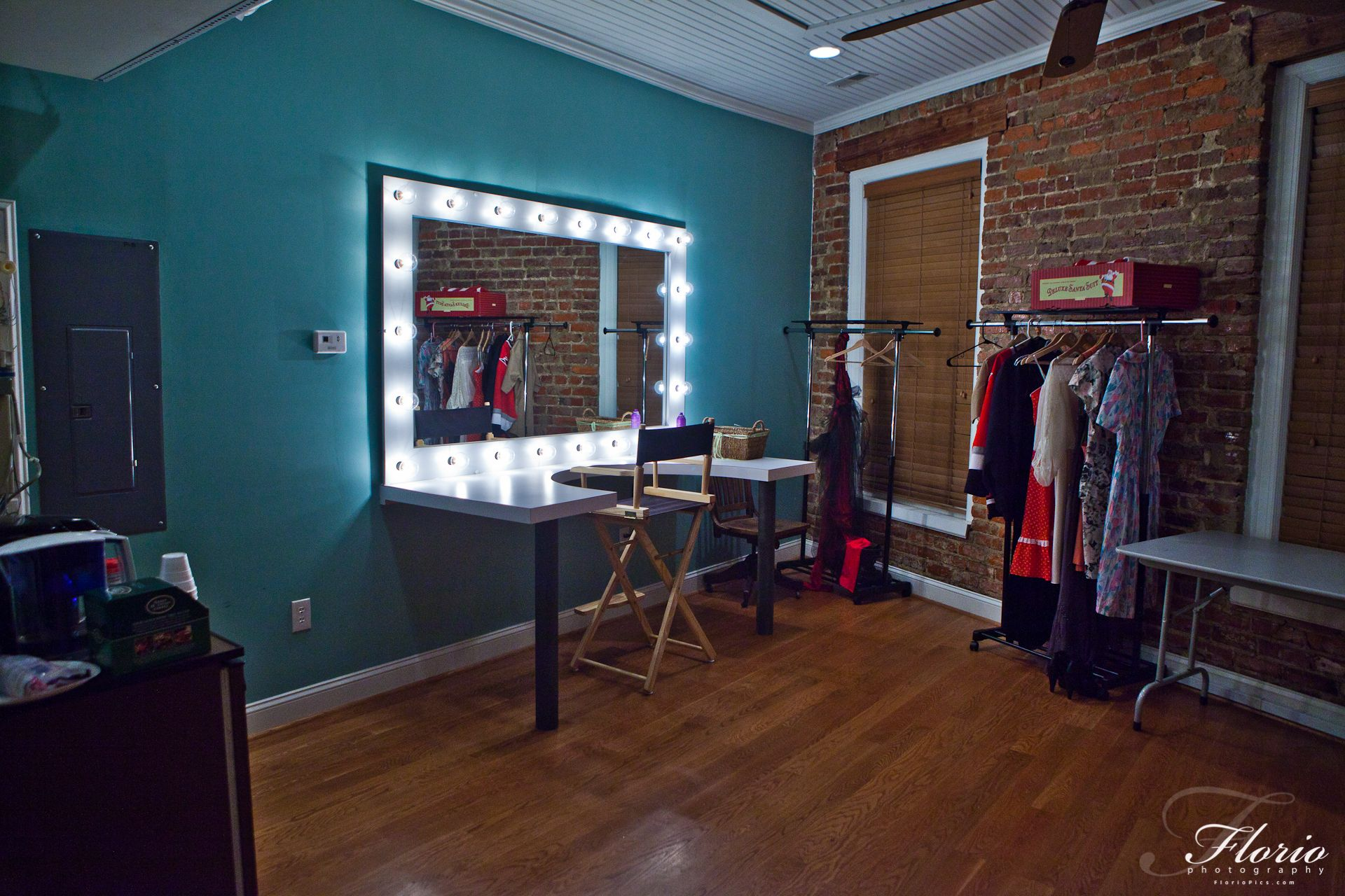 makeup room - Google Search  Dressing room, Room, Makeup rooms