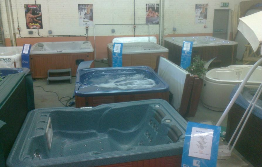 Cheap hot tubs. Used hot tubs. Refurbished hot tubs. Second hand hot ...