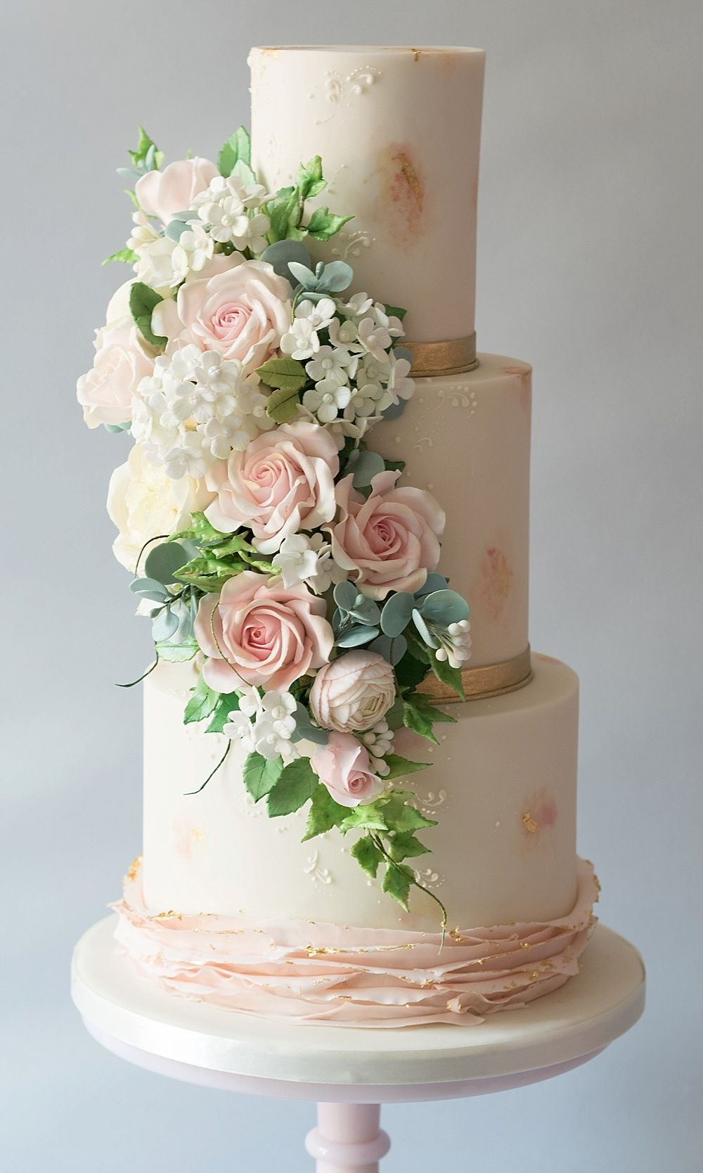 The Best Iced Wedding Cakes From UK Wedding Suppliers