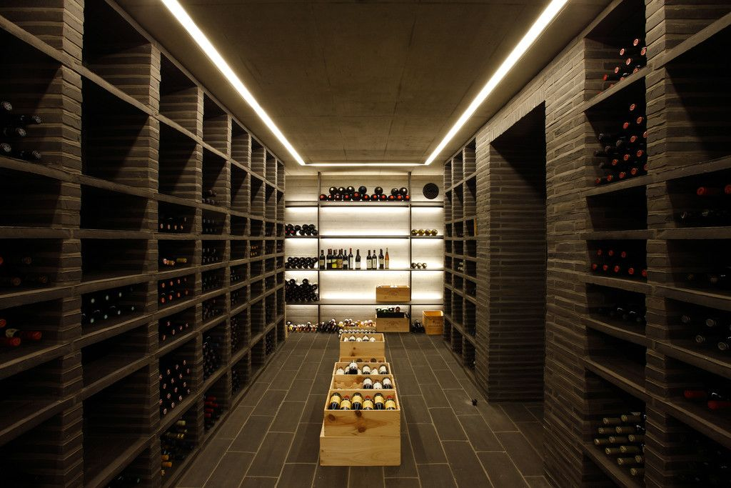 Moderner weinkeller  Moderner Weinkeller Bilder: Atelier und Wohnhaus