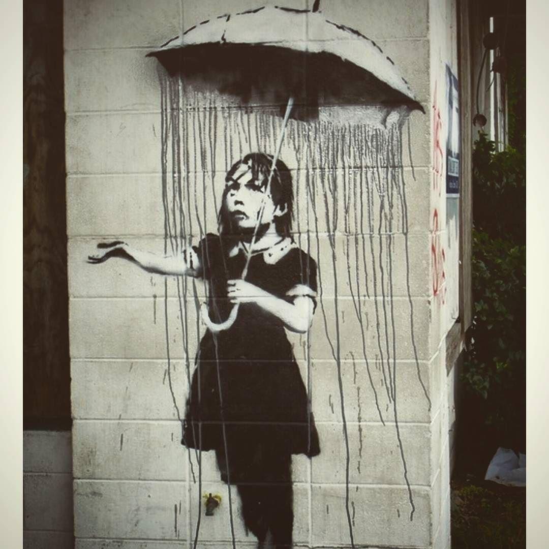 Waiting Roma. #banksy#finalmente#birthdaygift#roma#felicità#streetart#writer by lacarola