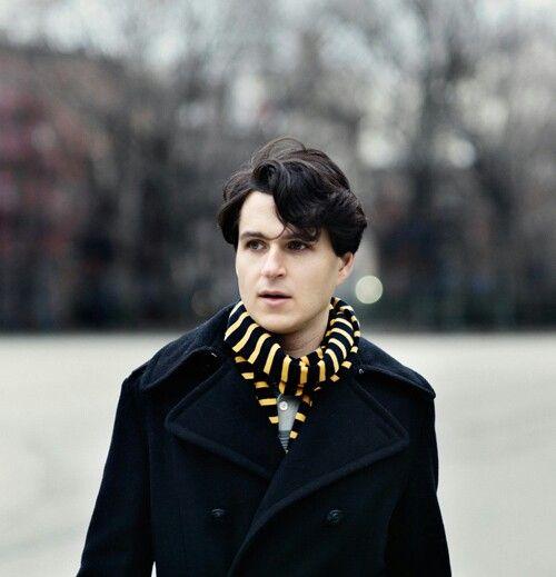 Ezra Koenig. I love love LOVE this man!!! (hufflepuff scarf yep yep :P)