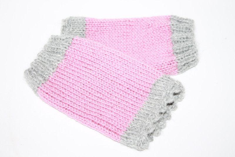 Pulswärmer - PULSWÄRMER gestrickt rosa stulpen grau fingerless gloves crochet knit Kurzstulpen - ein Designerstück von Handmade-Erzgebirge bei DaWanda
