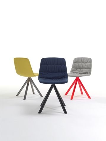 Upholstered chair MAARTEN by @Viccarbe | #Design Victor Carrasco #minimal #chair