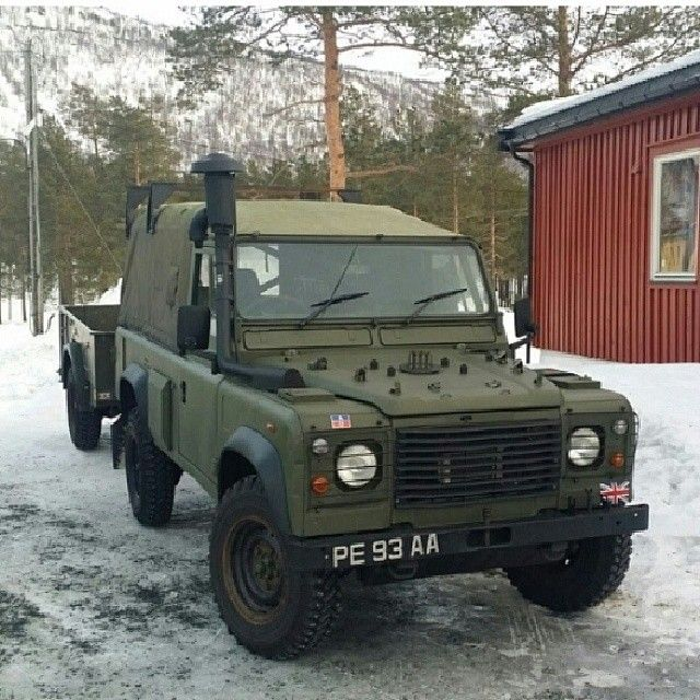 land rover military trucks militaire pinterest v hicules v hicules militaires et militaire. Black Bedroom Furniture Sets. Home Design Ideas