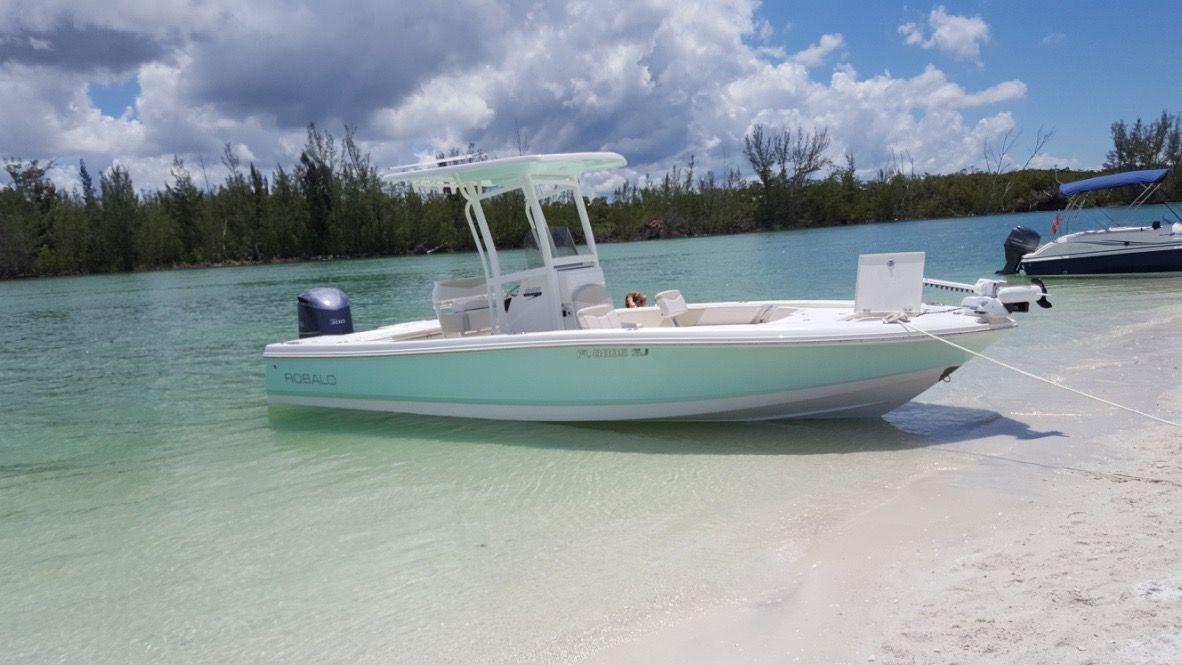 Used 2016 Robalo Cayman 246, Cape Coral, Fl - 33914