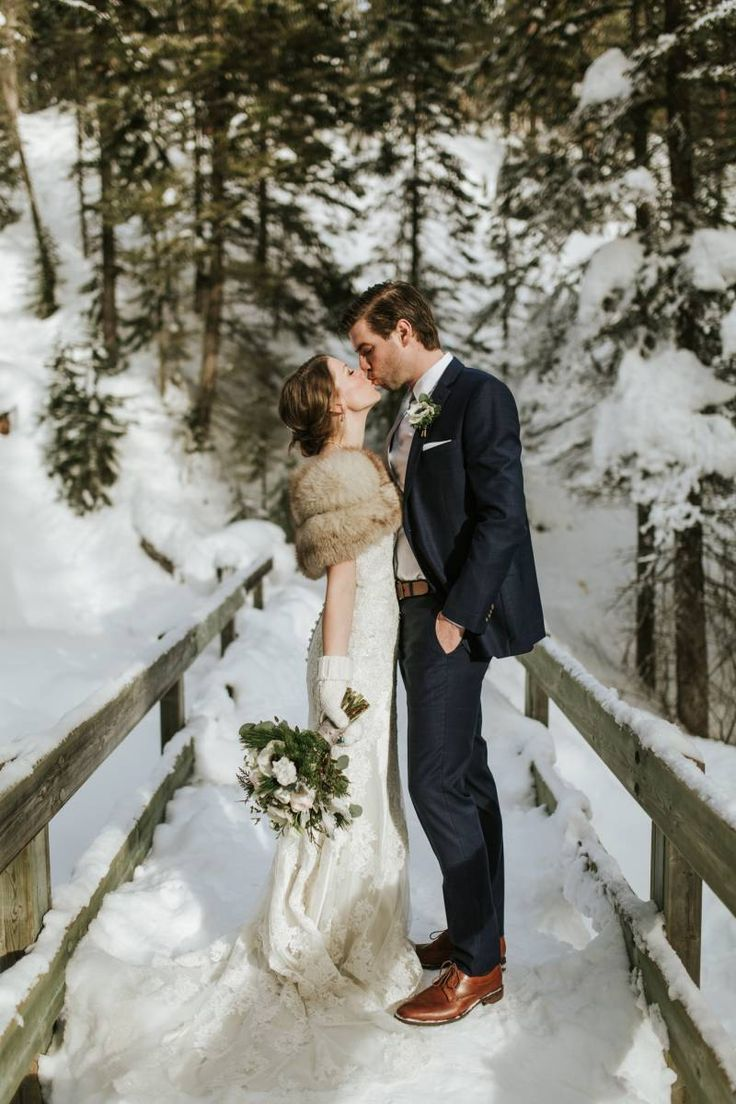 Gorgeous Winter Wedding at Emerald Lake Lodge |  Rocky MoutaninsReal Weddings