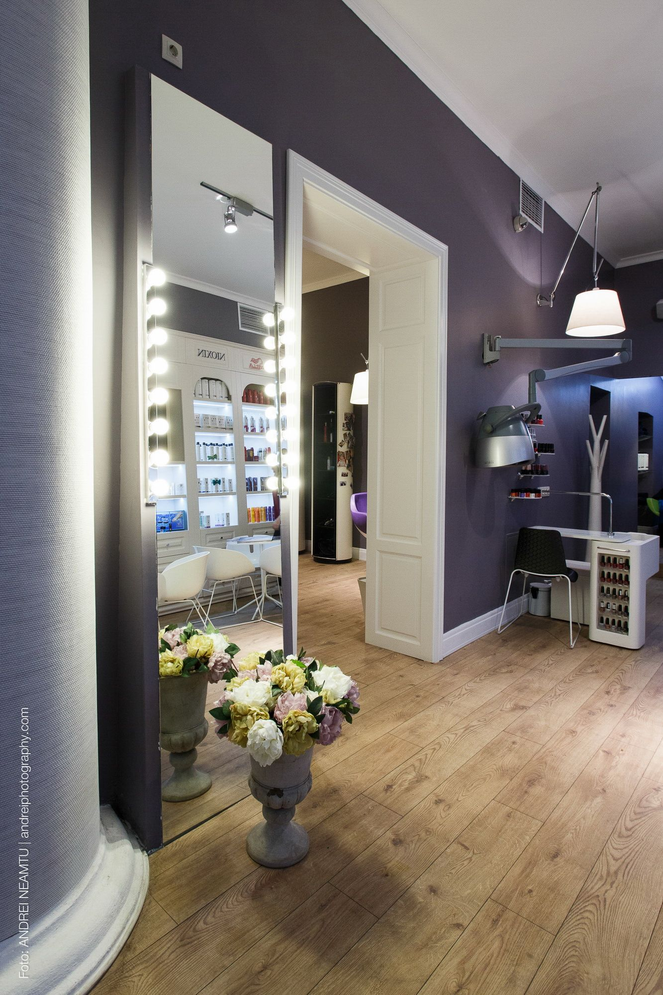 A Combination of Modern and Classic   Beauty Salon ...