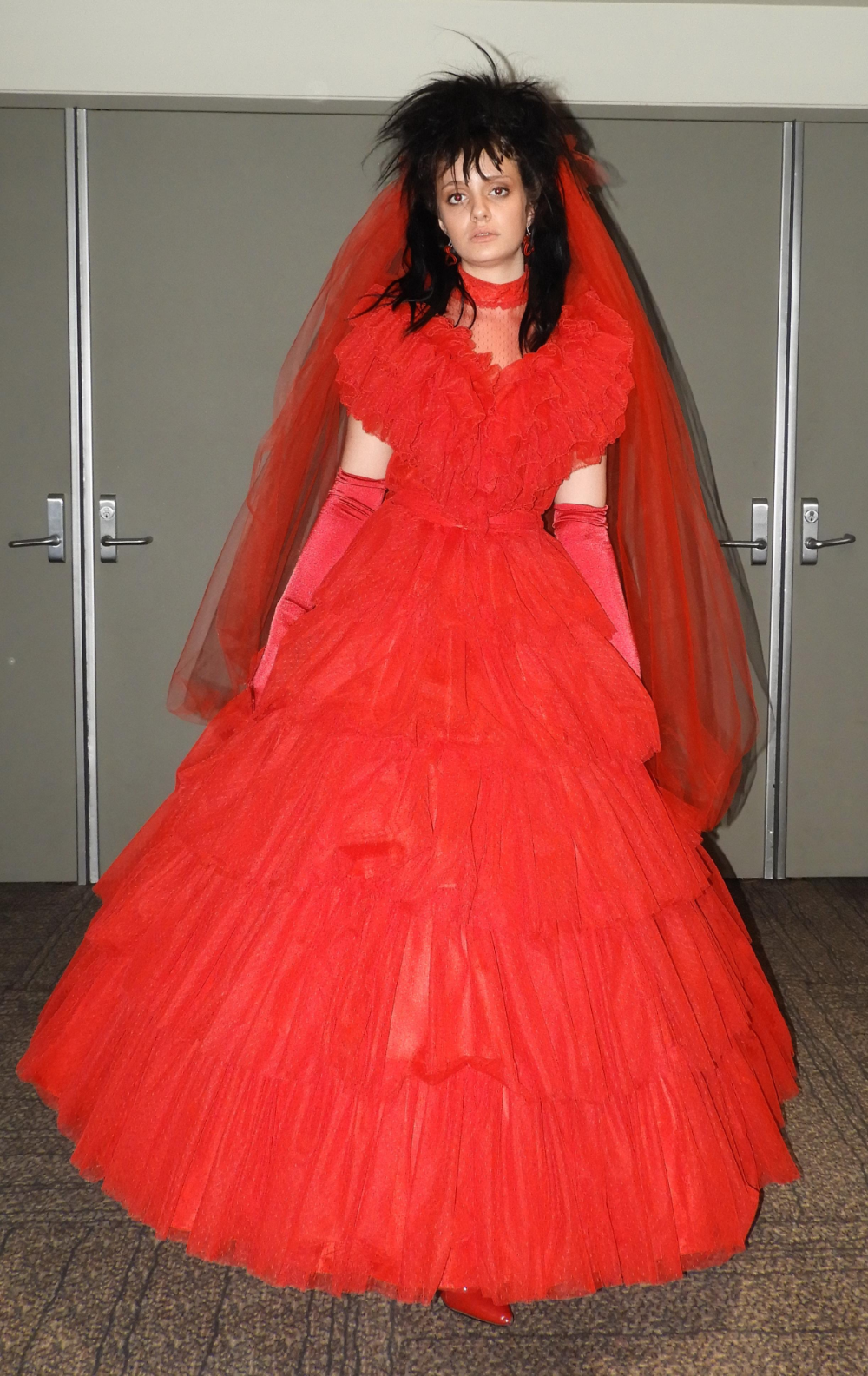 Lydia Red Wedding Dress Beetlejuice In 2020 Red Dress Costume Dresses Beetlejuice Dress