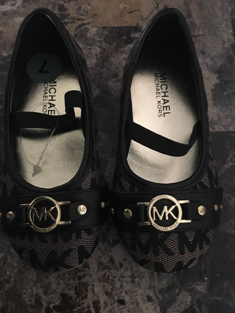 e5b3be197287f9 Michael Kors MK Logo Baby  toddler shoes Size 7  fashion  clothing  shoes