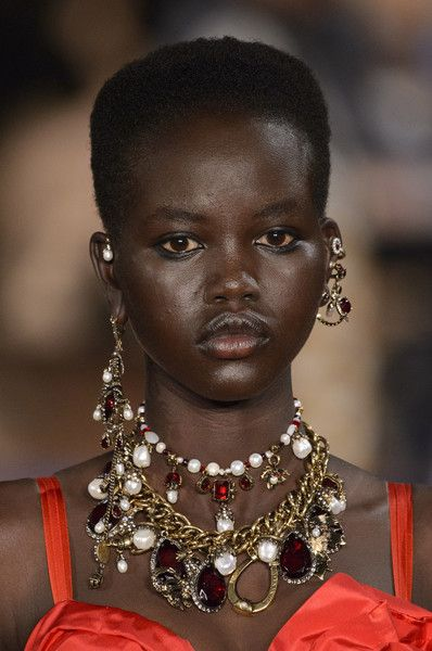 Alexander McQueen at Paris Fashion Week Spring 2018 - The Most Unique Bling on the Paris Runways - Photos