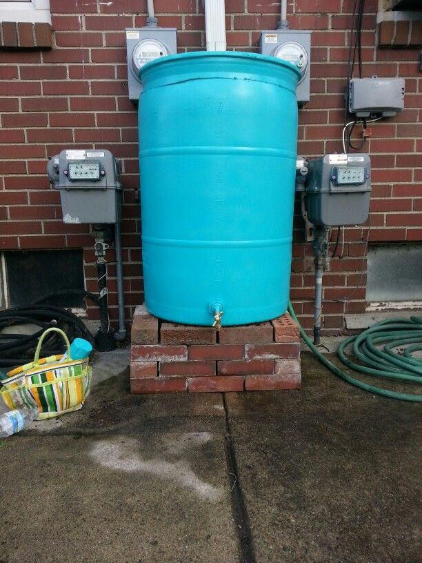 Easy Plastic Rain Barrel Hardware Is A Spigot 3 And Rain Barrel Seal 10 Sold At Any Home Depot It Only Needed One Can Of Rain Barrel Plastic Drums Barrel