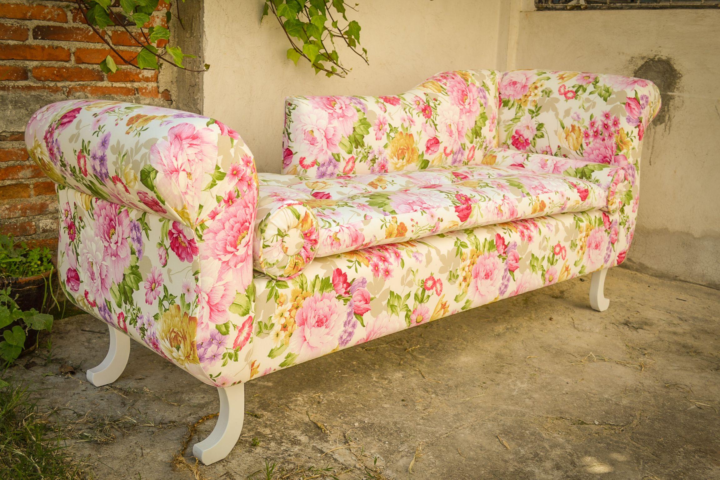 Divan con tapiz floreado #vintage