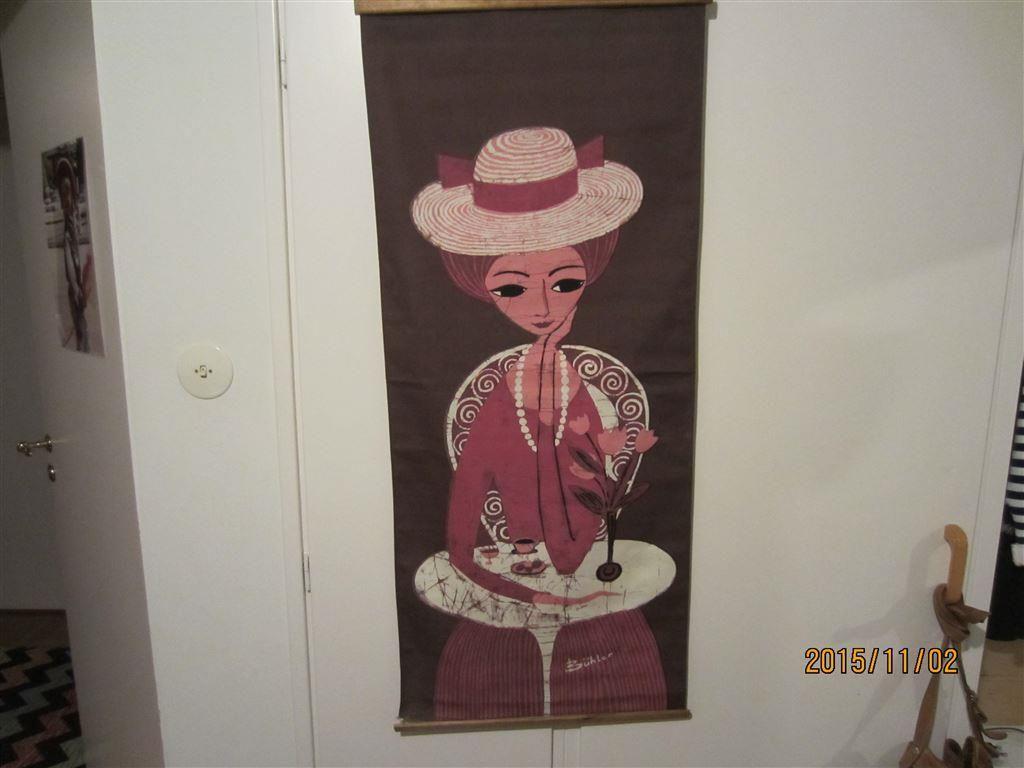Buhler. Väggbonad. Bonad. Textil. Signerad. 101x43 cm