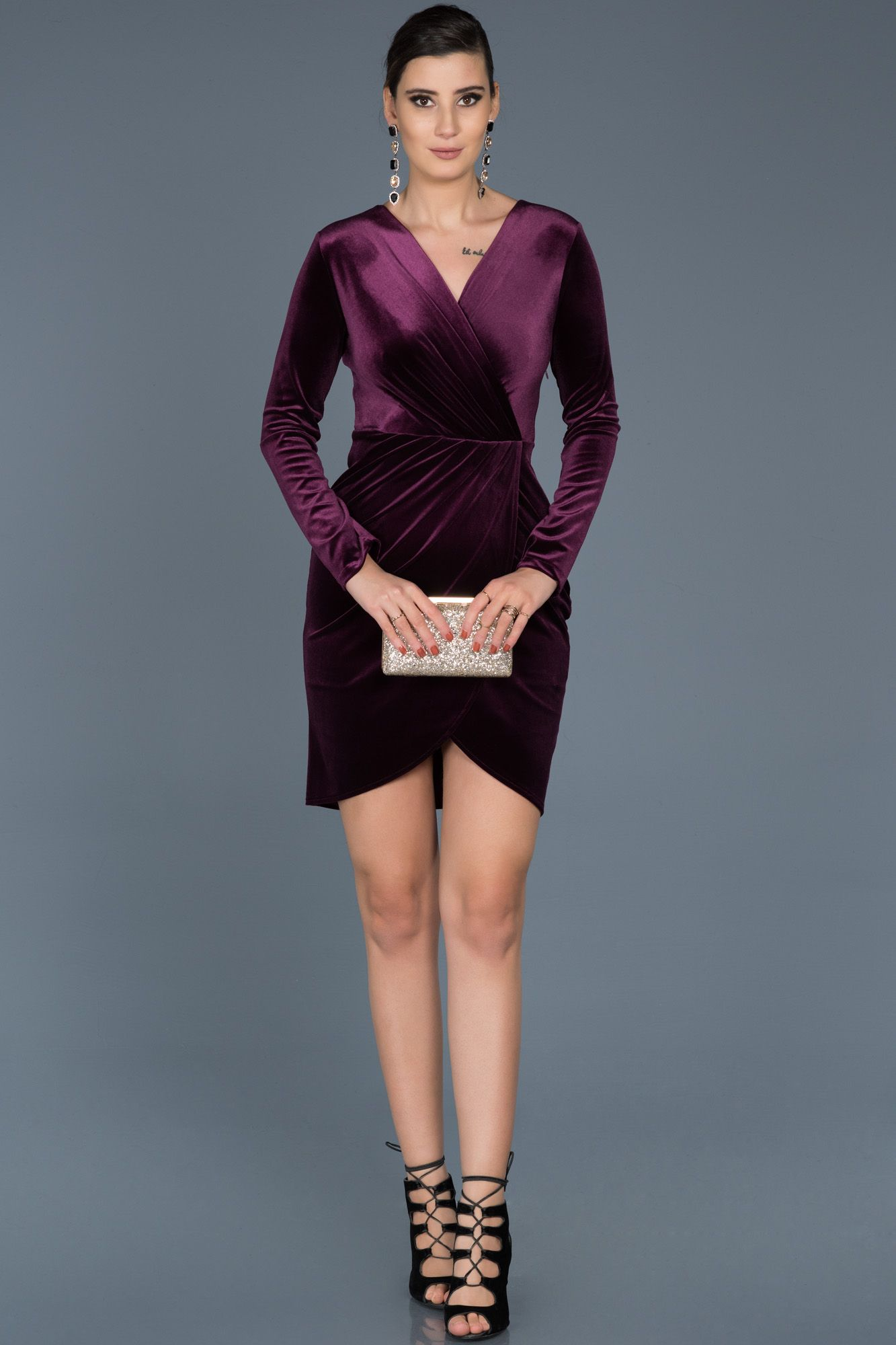 1b9d84fbe0aa6 #kadife elbise, #velvet dresses, #kısa abiye elbise, #kadife abiye, #2019  abiye modelleri, #night dresses, #evening dresses short, #mor, #purple, ...
