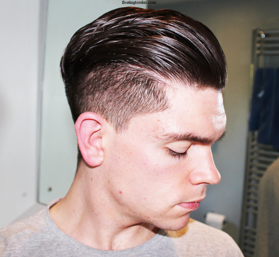 How To Do Pompadour Hairstyle For Men Http Floatingtorelax Com Undercut Hairstyles Mens Hairstyles Pompadour Men Haircut Styles
