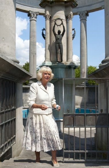 camillasgirl:  The Duchess of Cornwall visited a war memorial at Cathays Park to raise public awareness of theft and vandalism of parks, July 1, 2014