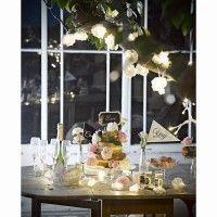 Guirnalda de flores con luces