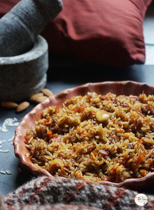 Gurr Gajar Ke Meethey Chawal | Sweet Jaggery Carrot Rice ...