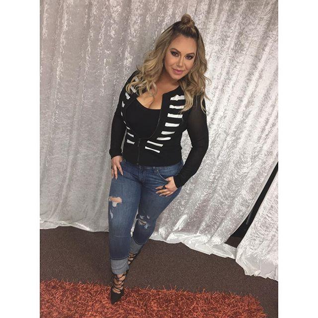 ea1650d9c985 ...  b bellaboutique Jeans   hudsonjeans Heels   stevemadden  Fashion   HudsonJeans  SteveMadden  FashionByChiquis  Ottd  BBN1  Chiquis   ChiquisRivera  Miami