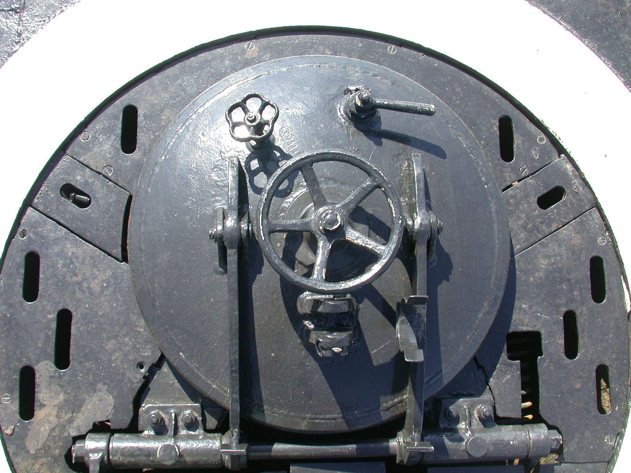 Torpedo Hatch Valve Latch Iron Painted Steel Hinges Door Hatch Iron Steel Steel Texture