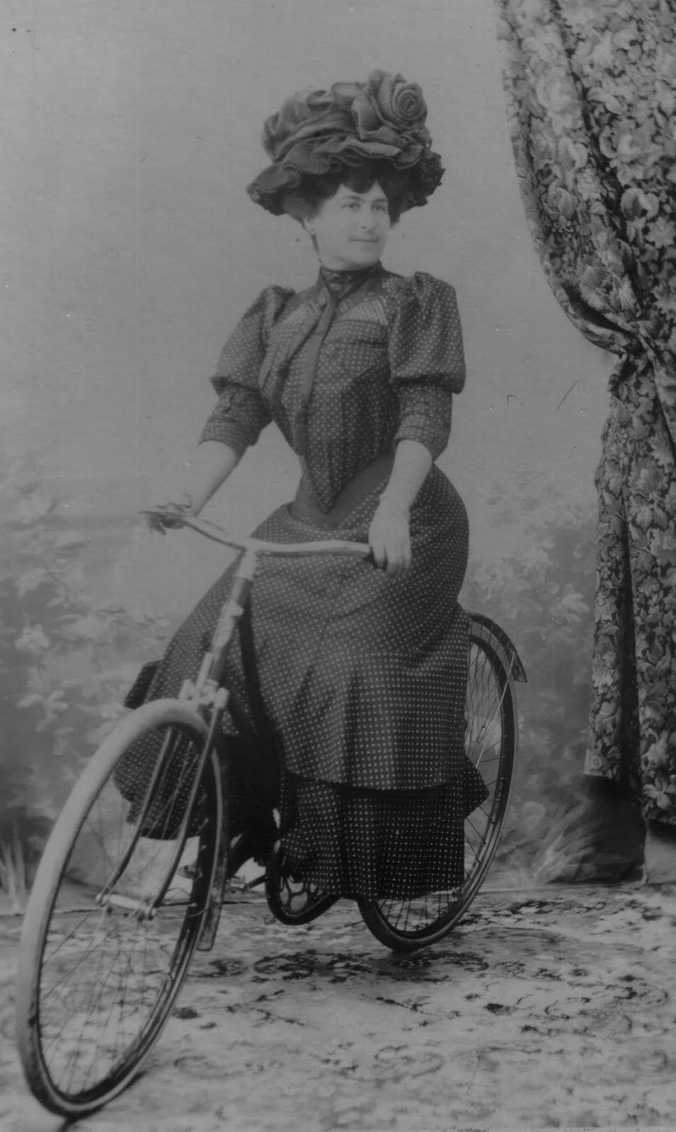 1910 Parisian Studio Portrait Love Her Hat Vintage Cycles