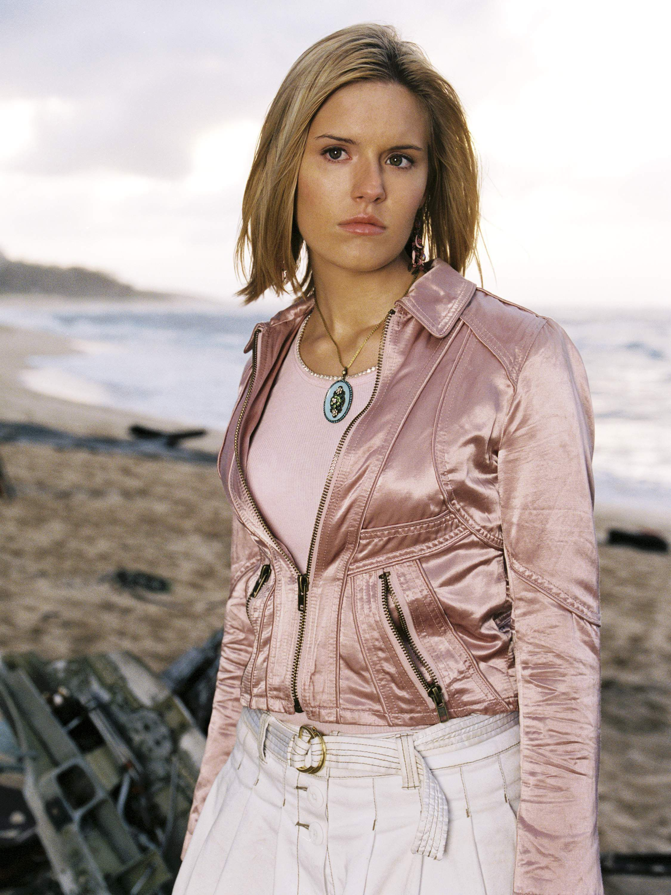 LOST - Season 1 Promo | Lost | Pinterest | Maggie grace