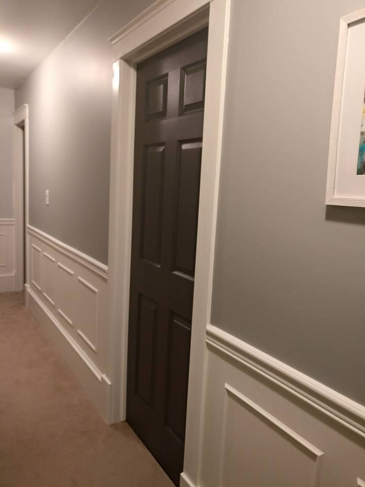 Hallway wall paint: Benjamin Moore Sea Haze Door color ...