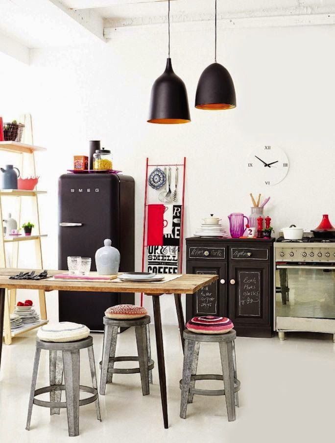 Méchant Studio Blog: black smeg + light wood