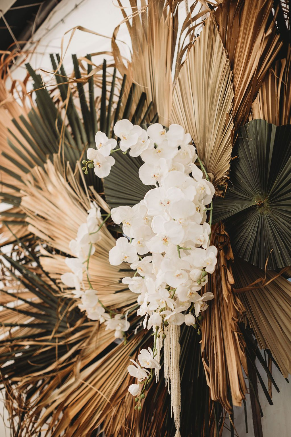 Dried florals sydney wedding photographer the paper