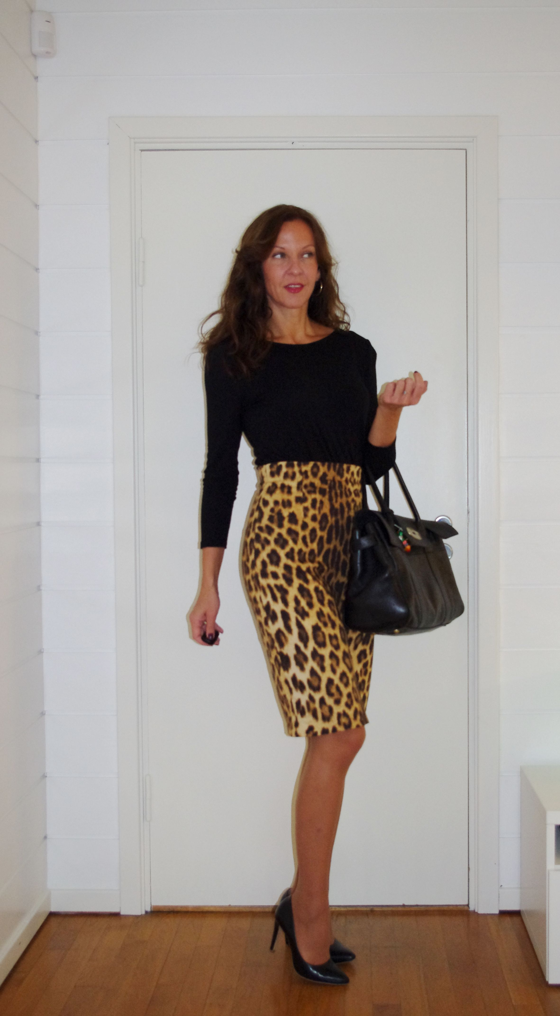1000  images about Leopard Skirt on Pinterest | Skirts, Pencil ...