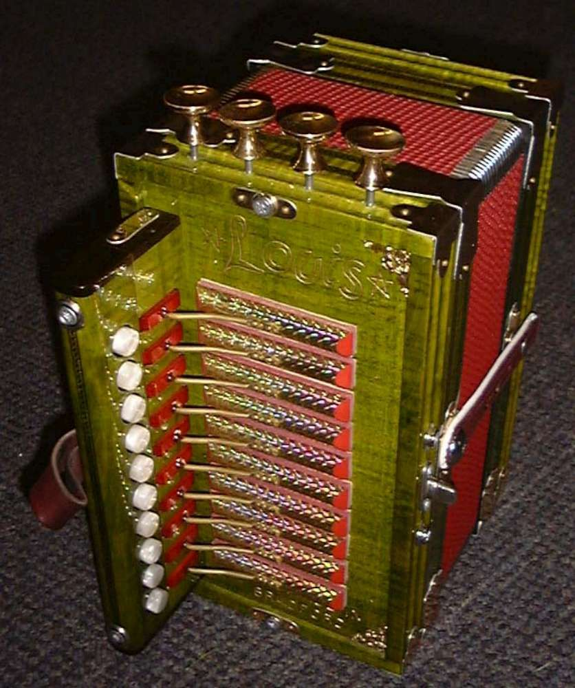 Used Cajun Accordion For Sale | Mannings Musicals » LOUIS CAJUN