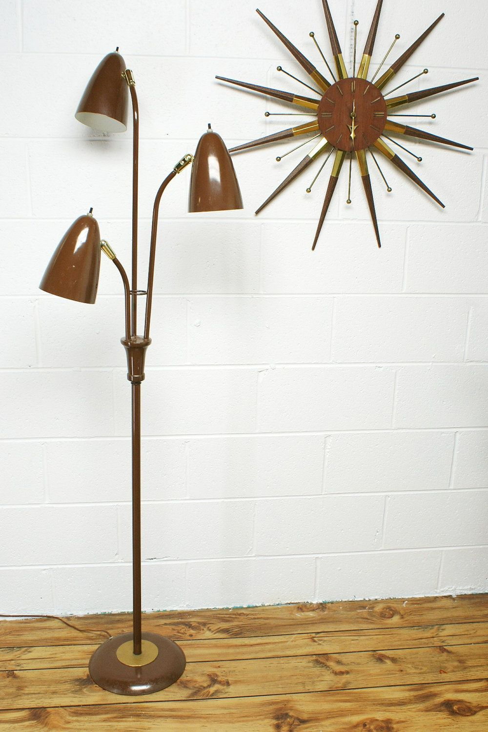 The Vintage Mid Century Modern Floor Lamp With 3 Lights Ha How Many Clocks Do We Hav Mid Century Lamp Mid Century Modern Floor Lamps Mid Century Furnishings