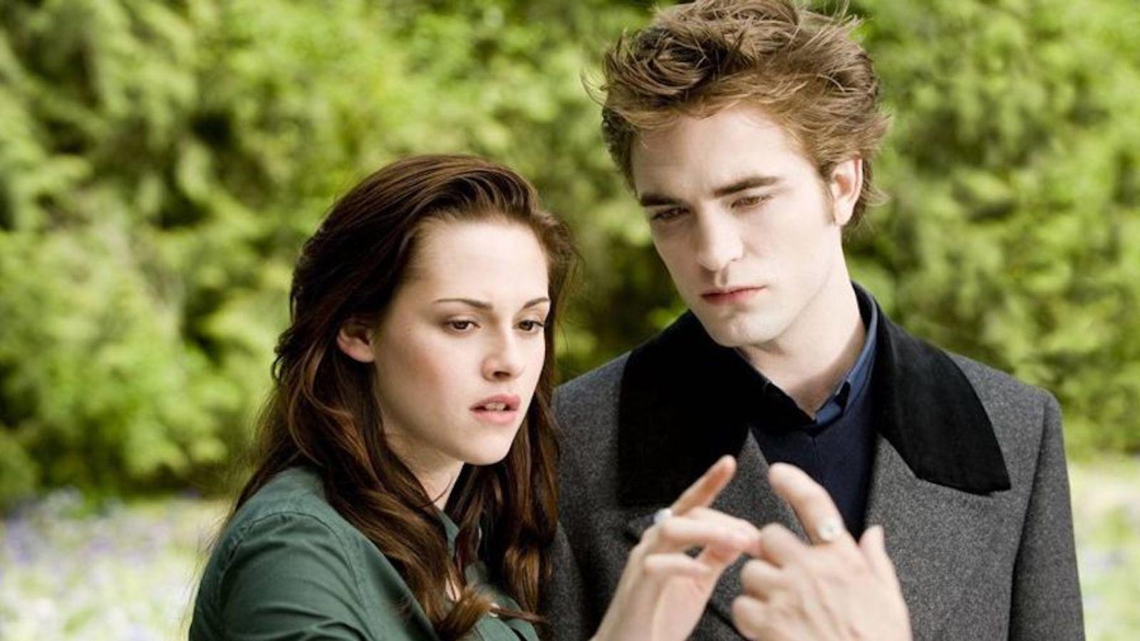 Twilight Fandom Is Alive And Well In 2020 Twilight New Moon Twilight Saga New Twilight