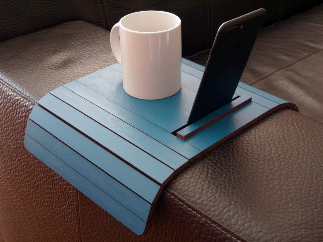Holz sofa armlehnentisch mit smartphone und tablet reader ...