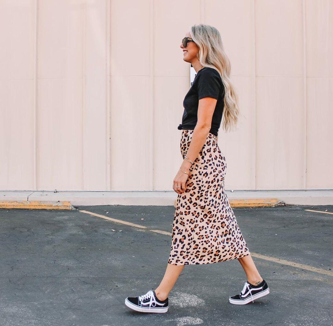 Vans Old Skool Skate Shoe Black Dresses With Vans Vans Style Women Old Skool Outfit [ 1059 x 1080 Pixel ]