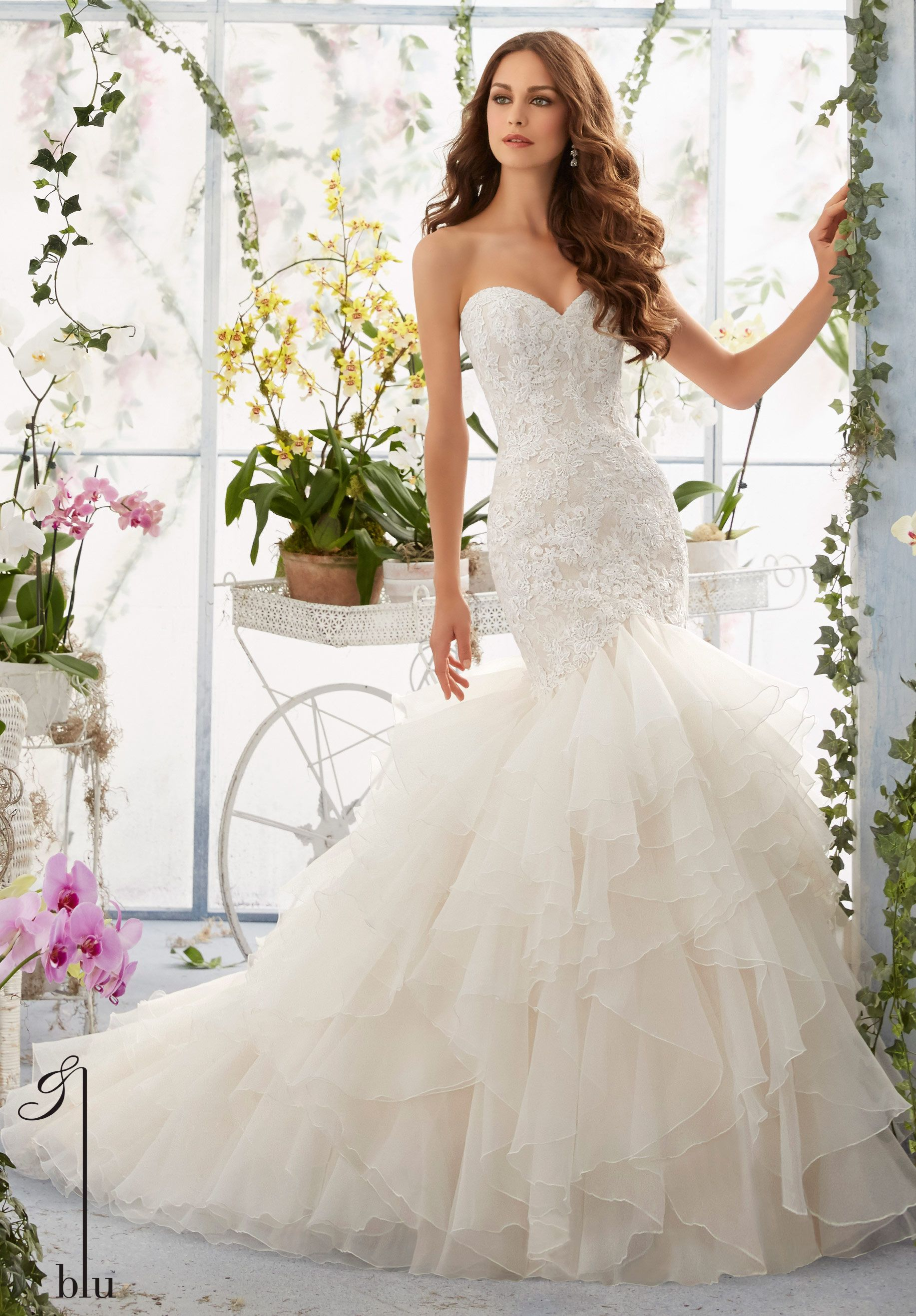 5409 Wedding Gowns / Dresses Venice Lace Appliques Over Chantilly Lace onto the Flounced Organza, Mermaid Gown