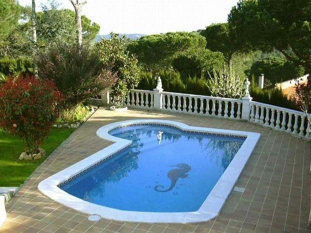 Piscina con dibujo piscinas pinterest piscinas y dibujo for Piscina jardin 727