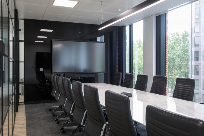 Office Tour: Rolls Royce & Partners Offices – London ...