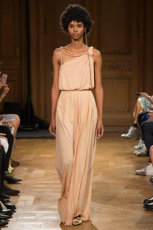 Fashion week Spring vionnet runway for woman